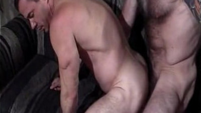 bears   bodybuilder   daddy and son