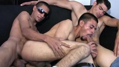 bareback  condom  gay man
